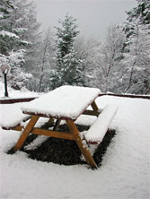 picnic-table-in-snow-748698.jpg